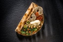 Falafel cu hummus și tabouleh