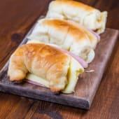 Medialunas con jamón y queso (3 uds.)