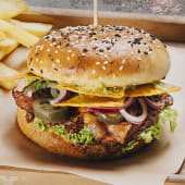 Burger z szarpaną wołowiną 320g