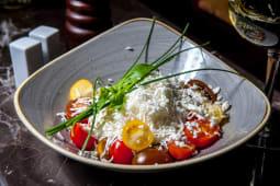 Salata mixta / salata verde / salata de rosii cu branza