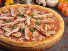Куряча піца з грибами (375г/30см)