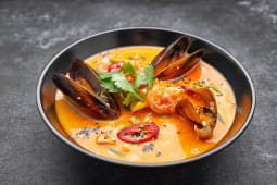 Тайський суп з морепродуктами (320г)