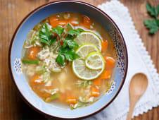 Supă din piept de pui cu lime