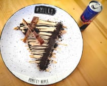 Čokoladna palačinka + Red Bull