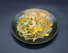 252. Spaghetti di soia con gamberi e verdure