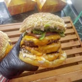 Triple Cheese Burger + Batata Frita + Bebida