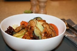Теплий салат з куркою (300г)