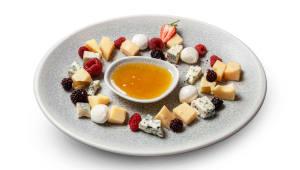 Плато ароматних сирів (150г)
