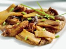 Anatra con Bambù e Funghi