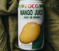 Натуральний тропічний напій зі смаком манго