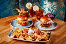 Menú Especial para 2 con entrante + 2 hamburguesas + postre a elegir