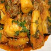Matoke served with beef