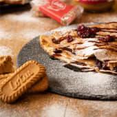 Clatite cu crema de biscuiti spectaculos & merisoare