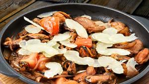 Смажені мідії з овочами (260г)