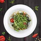Salata cu quinoa neagra