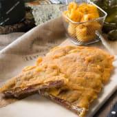 Cachopo asturiano de ternera relleno de jamón y queso de Cabrales