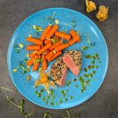 Стейк тунця з бебі морквою (290г)