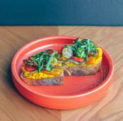 Бутер з хумусом та овочами з печі (250г)