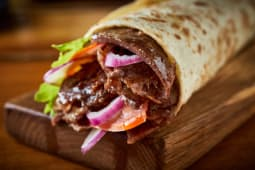 Kebab w cienkim cieście - wołowina