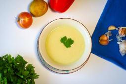 Supă crema de usturoi