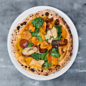 Pizza crema de zanahoria asada (vegana)