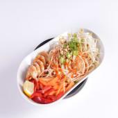 Pad thai con langostinos (picante)