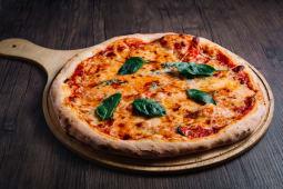 """პიცა  """"მარგარიტა"""""""