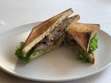 Сендвіч з телятиною (200г)