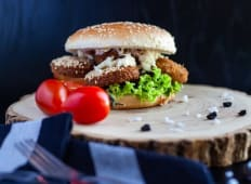Burger cu falafel