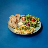 Śniadanie z jajecznicą