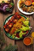 Шашлик з тофу з хрусткими овочами і рисом бір'яні (200/150/100г)