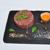 Tartar biftek ručno sečen