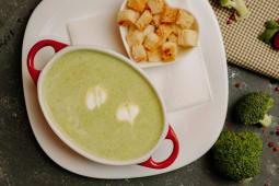 Крем-суп из брокколи с курицей (200г)
