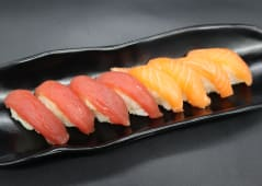 22. Sushi sake maguro