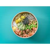 Healthy salmón y guacamole poke