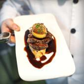 Filete de vaca vieja con foie y sala de trufa