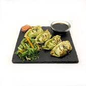 Gyosas vegetales con salsa teriyaki