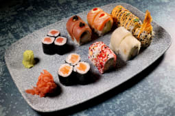 The best of maguro sushi bar