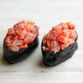 Гункан спайс тунець (80г)