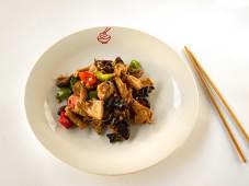 Свинина з китайськими грибами та перцем (200г)