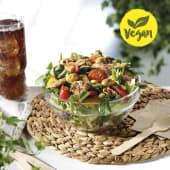 Ensalada Mediterránea con heura vegan