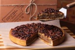 Горіховий пиріг з солоною карамеллю (150г)