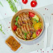 Стейк зі свинини з картоплею по-Креольськи (370г)