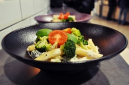 Makaron Pollo e broccoli L