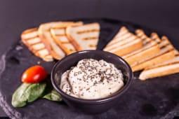 Seedy hummus toast, Coffe / Tea