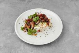 Вугор з рисом і молодим сиром - гостра страва (320г)