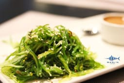 Салат з японських водоростей (150/40г)