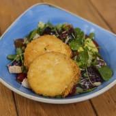 Ensalada queso de cabra crujiente (vegetariano)