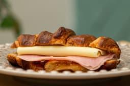 Croissants Queijo/Fiambre