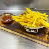 Картопля фрі (150/30г)